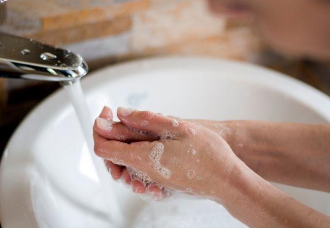 9 Secrets of Women who Never Get Sick